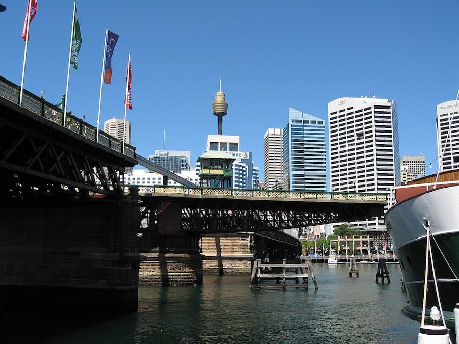 Pyrmont Bridge mid-swing, Sydney, Australia. Photograph by Greg O'Beirne, taken 2006-01-29