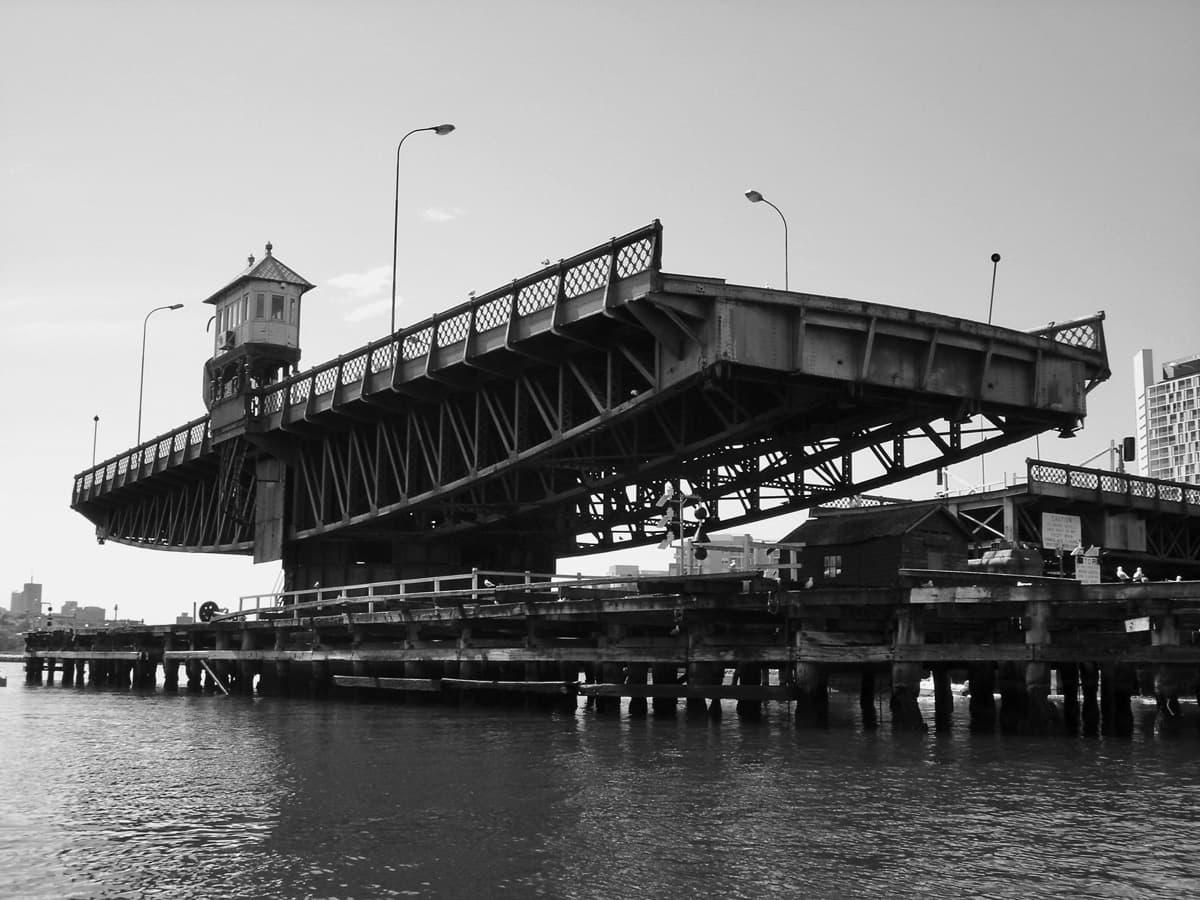 Glebe Island Bridge, September 2006