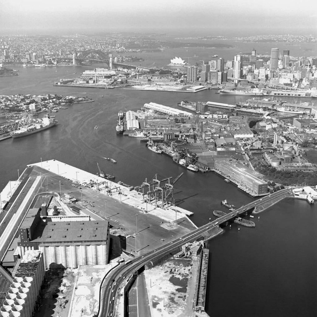 100836 Aerial of Glebe Island Bridge During the Railway Strikes of 1983