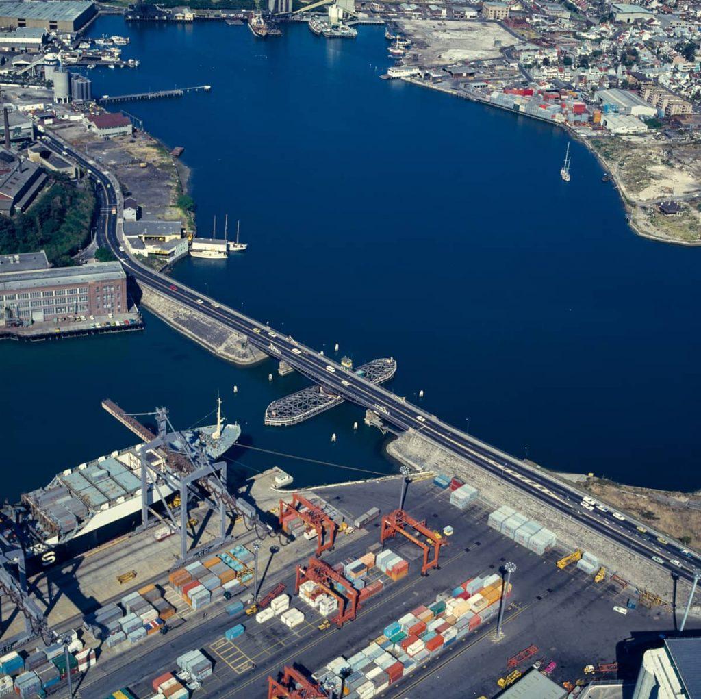 102164 Aerial of Glebe Island Bridge 1978