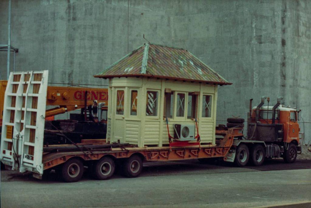 102173 The New Glebe Island Bridge Control Cabin 1983